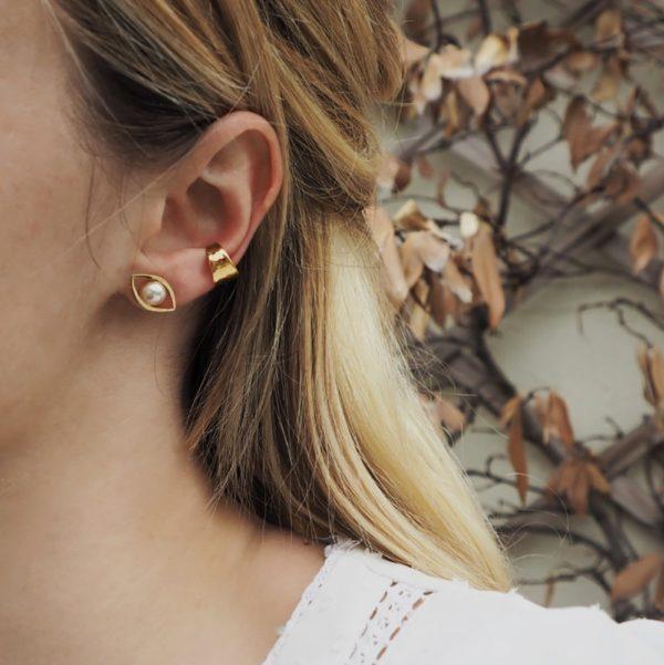 Boucles d'Oreilles puces dorées cream rose pearl Eros