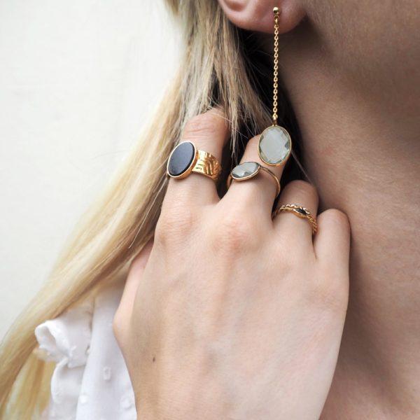 Boucles d'oreilles longues dorées Améthyste Verte Serti GM